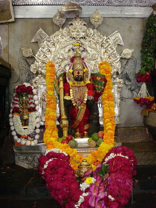 क्षणी क्षणी | जिथे तिथे | भरपूर | पुरेपूर | ते माझं…  कोल्हापूर   In the lap of Goddess #Mahalaxmi