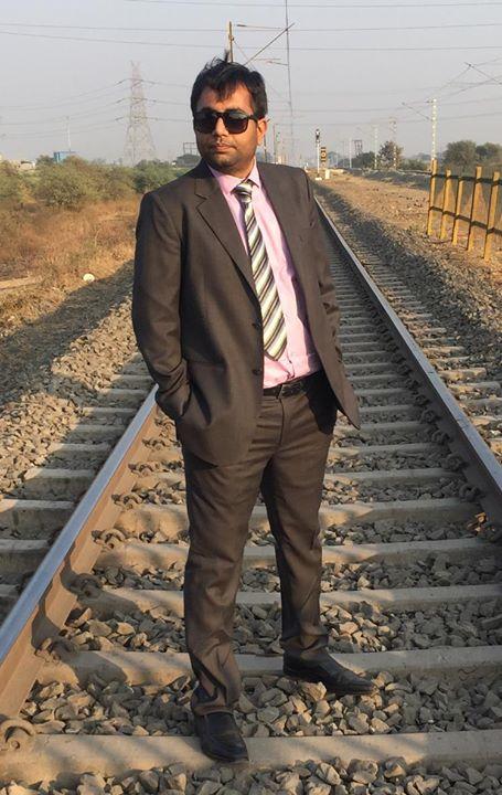 :: 'फ' से फाटक पे फोटो ::